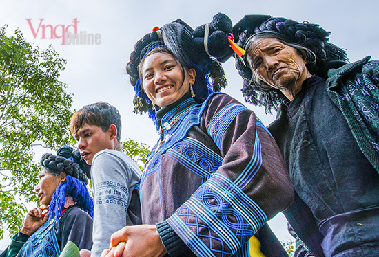 Hai thế hệ phụ nữ Hà Nhì