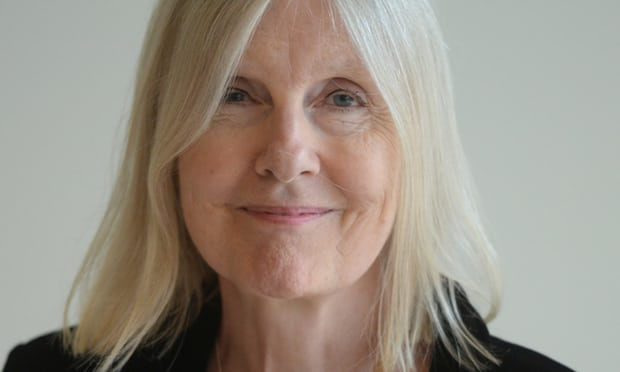 Nữ văn sĩ Helen Dunmore