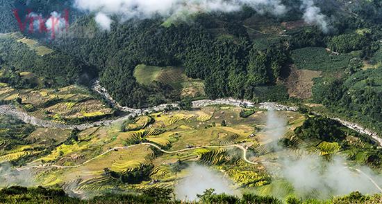 Thung lũng Thien Sinh ẩn mình trong mấy trắng